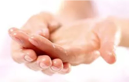 , Dry hands prone to eczema: What helps?