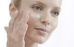 Hypersensitive facial skin with a tendency to redness